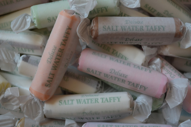 "1lb A&A®  ""Beach Box"" Assorted Salt Water Taffy"